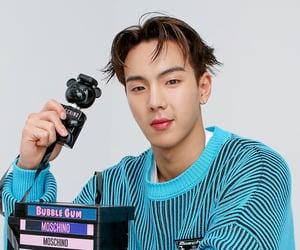 kpop, hyunwoo, and son hyunwoo image