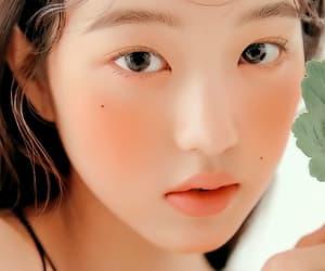center, wonyoung, and iz*one image