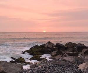 beach, atardecer, and cielo image