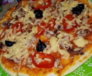 food, pepper, and pizza image