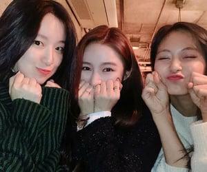 twice, jeon soyeon, and minnie nicha image