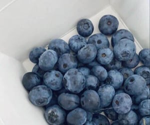 blue and blueberry image