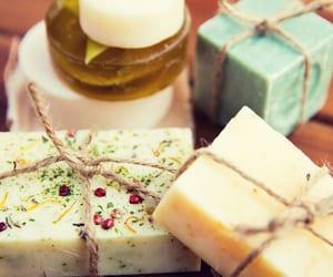feito em casa, cosméticos artesanais, and sabonetes artesanais image