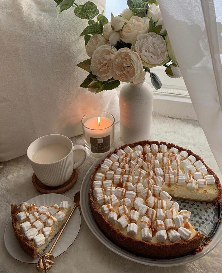 marshmallow, cake, and dessert image