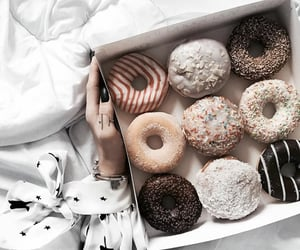 donut, food porn, and sweet foods image