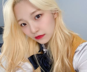 jiheon, fromis, and kpop image