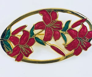 Red lilies brooch