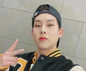 selca, jooheon, and joohoney image
