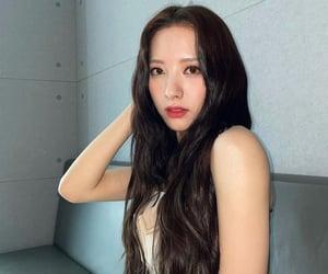 bona, kim jiyeon, and wjsn image