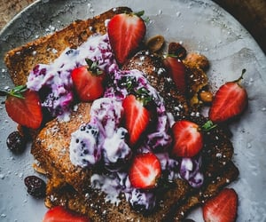 breakfast, photography, and strawberry image