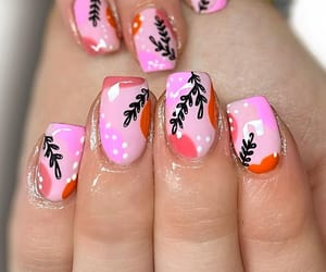 best nail salon in us image