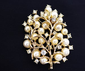 Coro Pearl and Rhinestone brooch - Vintage 1950s 1960s Tree Branch Jewelry