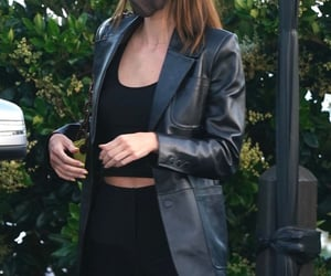 street style, kendall jenner, and black crop top image