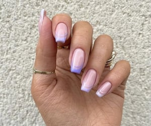 nails and nail inspo image