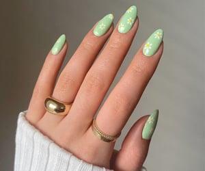 nails and nail inspo image
