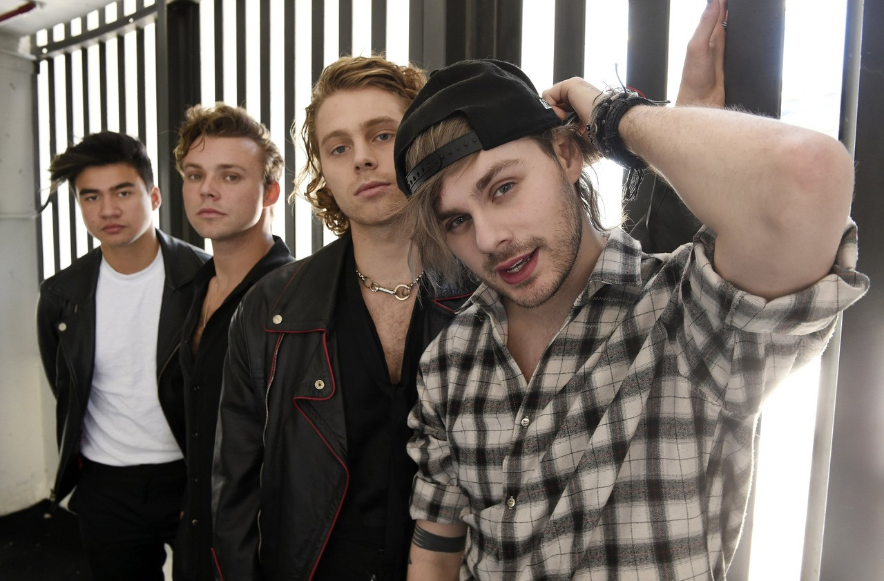 article, bands, and 5sos image