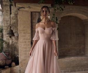 fille, robe de soirée, and Prom image