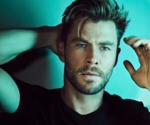 actor, chris hemsworth, and Hot image