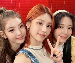 yuna, itzy, and kpop image