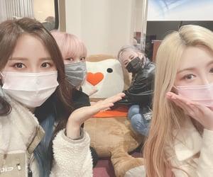 girls, yuuri, and pfp image