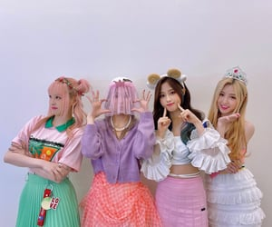 girls, hq, and yuuri image
