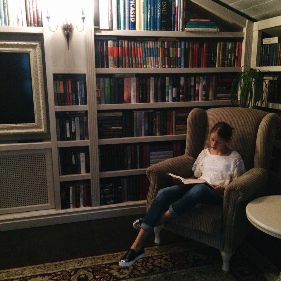 bibliophile, books, and girl image
