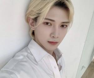 k-pop, 에이티즈, and kang yeosang image