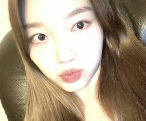 korean, kpop girl, and chaewon image