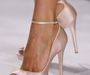 badgley mischka, fashion, and pink shoes image