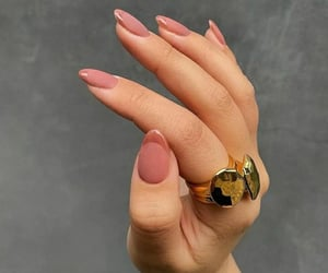hand, pink, and rings image