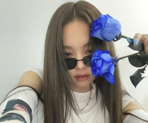 blue flowers, girls, and yg image
