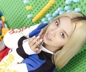 girl, girls, and korean pop image