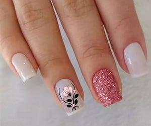 delicado, nails, and semi image