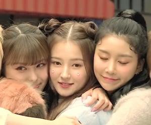 kpop, Nancy, and hyebin image