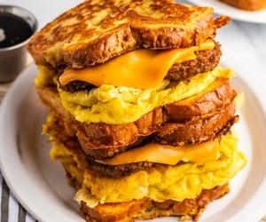 food, sandwich, and vegan image