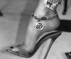accessoires, heels, and jewelry image
