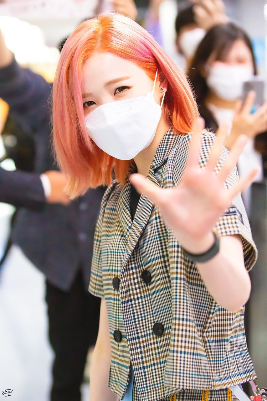 kpop, akb48, and hitomi image
