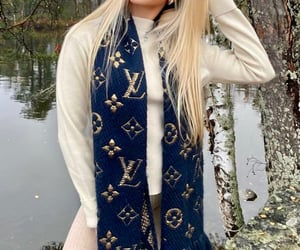 autumn, blonde, and chic image