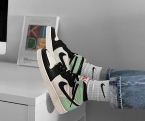 nike, green, and fashion image