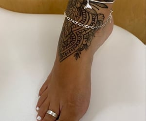 foot and tat image