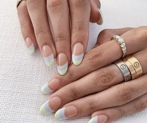 nails and chic image
