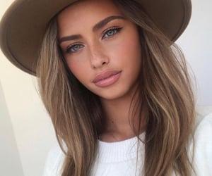 aesthetic, femme, and full lips image