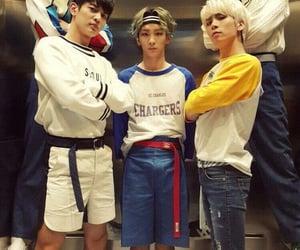 kpop, SHINee, and view image