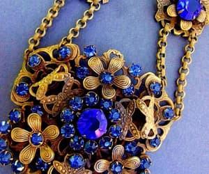 Art Nouveau, floral, and medallion image