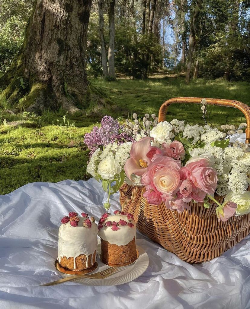 article, gift, and basket image