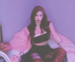 kpop, chaeryeong, and itzy image