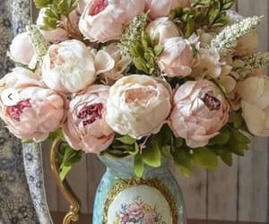 bouquet, style, and decor image