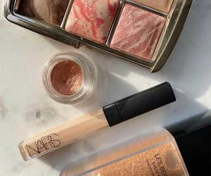 beauty, chanel, and glow image