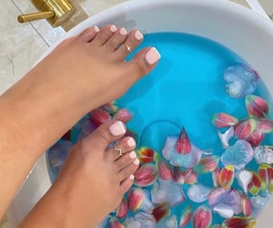 nails and salon image