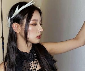 pretty, vocalist, and kpopedits image